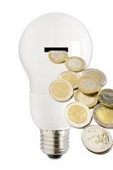 Energiesparlampe mit Geldstücken