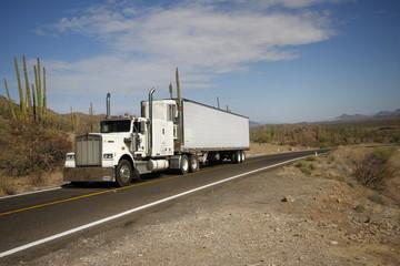 Camion, desert du mexique