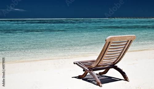 liegestuhl am strand stockfotos und lizenzfreie bilder auf bild 8979801. Black Bedroom Furniture Sets. Home Design Ideas