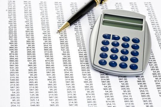 Zahlenmaterial mit Taschenrechner