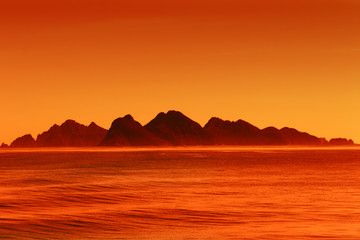 Poster Cuban Red Majestic Alaskan mountains at sunset