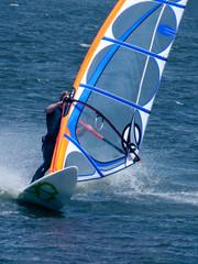 Windsurfer in Nahaufnahme bei Powerhalse