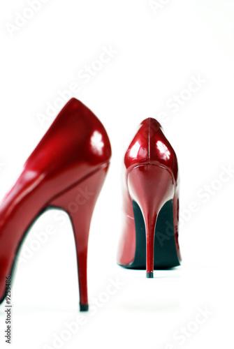 rote pumps stockfotos und lizenzfreie bilder auf bild 9253486. Black Bedroom Furniture Sets. Home Design Ideas