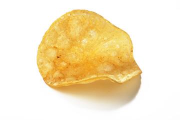 Kartoffel Chip vor weißem Hintergrund