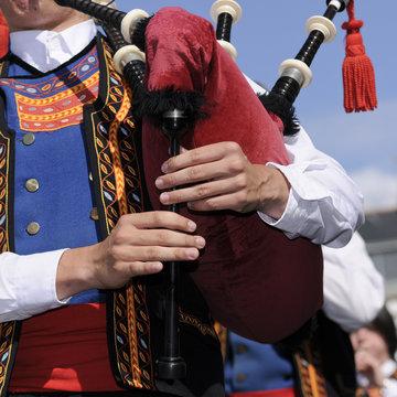défilé festival des filets bleus à Concarneau en Bretagne