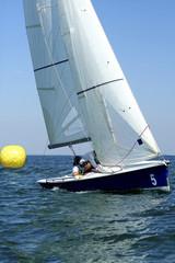 Start of sailing race / yachting / actions of crew