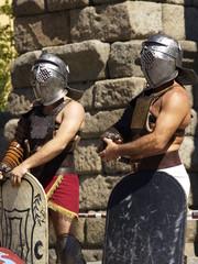 Printed kitchen splashbacks Knights Espera de gladiadores junto al acueducto de Segovia