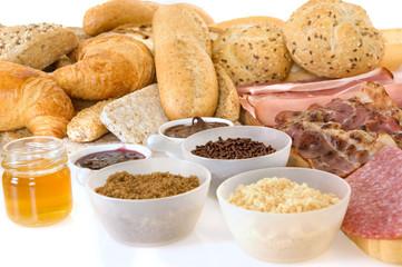 Breakfast arrangement with bread