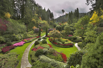 Staande foto Tuin Phenomenally beautiful and picturesque garden for walks