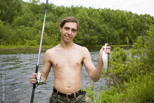 фото молодого рыбака