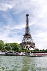 Tour Eiffel sur la Seine, Paris