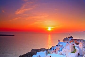 Spoed Foto op Canvas Santorini Sunset in Oia village on Santorini island, Greece
