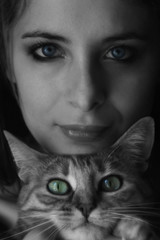 ragazza gatto