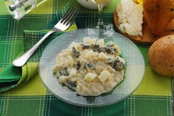 Risotto gorgonzola e pere - Primi - Ricetta della Lombardia