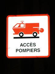 panneau acces pompier