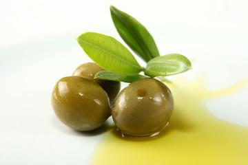 oliven mit olivenöl