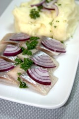 Herring with mashed potatoes