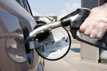 Hand Filling Diesel / Fuel