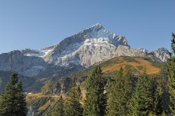 Wall Mural - Die Alpspitze vom Weg zwischen Kreuzeck und Hochalm
