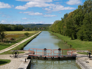 Kanal in Burgund