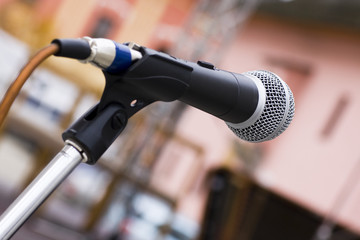 Isolate microphone in a colored background