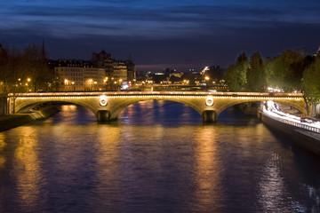 Ponts de Paris la nuit
