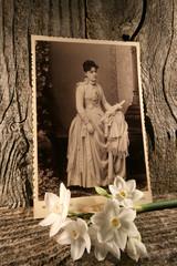 photograph,antique,retro,woman