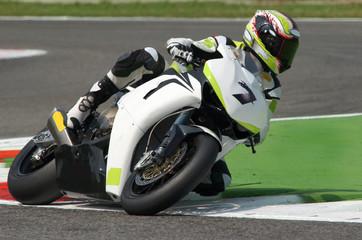 prove in pista superbike