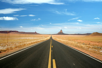 US 163, the scenic road to Monument Valley