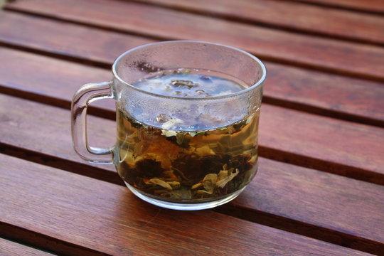 Green tea with american ginseng,chrysanthemum......