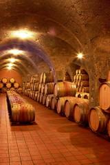 Weinkeller, Eichenfässer, Barrique, Rotwein, Toskana