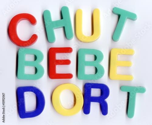 Chut b b dort photo libre de droits sur la banque d for Chut bebe dort pancarte