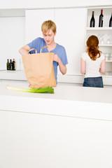 Zusammen in der Küche
