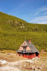 Fototapete - Shelter in Tatra mountains