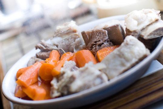 image d'une blanquette de veau dans une assiette