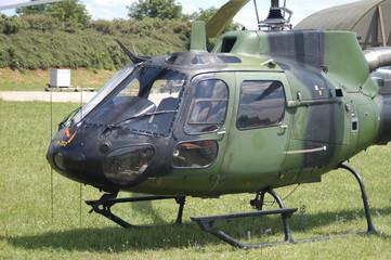 hélicoptère de reconnaissance