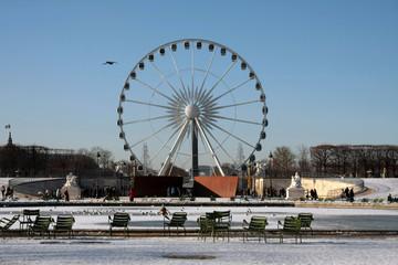 grande roue tuileries neige paris