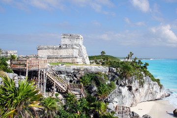 ancient ruins of tulum in Mexico