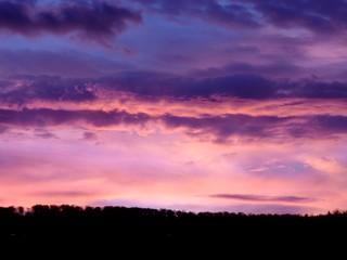 Sonnenaufgang in Lila