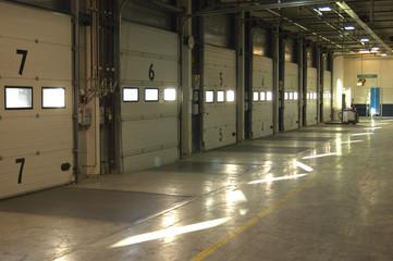 Warehouse loading doors and floor