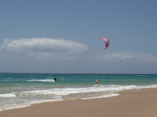 Kite Surfer am Playa de Sotavento - Fuerteventura
