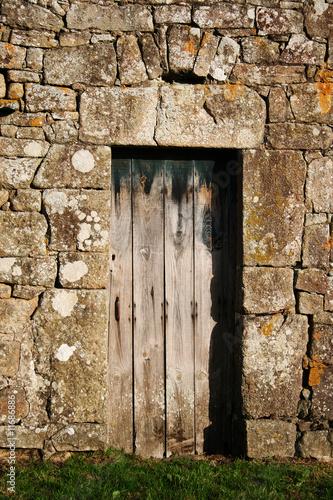 Vieille porte de ferme en bois photo libre de droits sur la banqu - Vieille porte de ferme ...