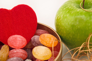 apple, candy and the heart