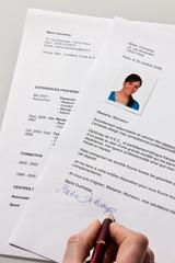 Lettre de candidature et curriculum vitae en français