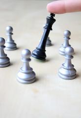Schachzug - der König fällt