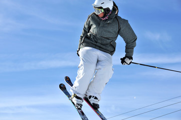 Aeroski: girl jumping on skis