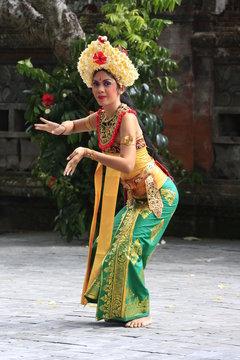 danseuse du barong bali