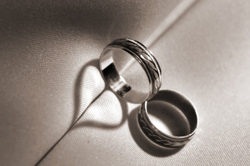 wedding rings, the symbol of love