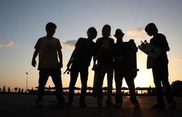 skateboarder boys