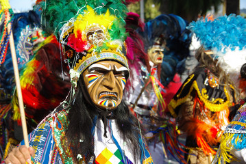 personne déguisé au carnaval